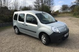2010 RENAULT KANGOO AUTO WHEELCHAIR ACCESS VEHICLE WITH ONLY 14500