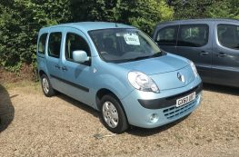 2010 RENAULT KANGOO AUTO WHEELCHAIR ACCESS VEHICLE WITH ONLY 15000