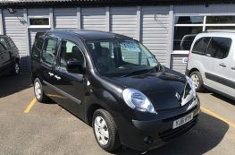 2012 RENAULT KANGOO WHEELCHAIR ACCESSIBLE VEHICLE WITH ONLY 14000 MILES